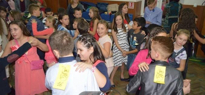 """""""Balul Bobocilor"""", la Școala Gimnazială Nr. 1 Dej – FOTO"""