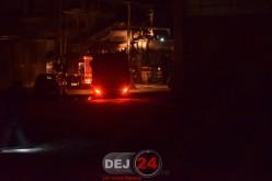 Incendiu la o fabrică din Dej. Două autospeciale, trimise pe strada 1 Mai – FOTO