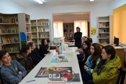 Elevii din Chiuiești au devenit bibliotecari pentru o zi – FOTO