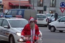 Moș Crăciun, escortat la Poliția Municipiului Dej – FOTO/VIDEO