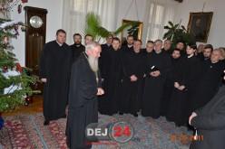 Preoții din Protopopiatul Ortodox Dej au colindat Centrul Eparhial și Consiliul Județean Cluj – FOTO