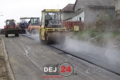 Strada Pinticului, din cartierul Ocna Dej, în plin proces de reabilitare – FOTO/VIDEO