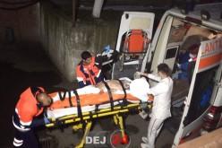 TENTATIVĂ DE CRIMĂ la Dej. Bărbat ÎNJUNGHIAT, în stare GRAVĂ – FOTO/VIDEO