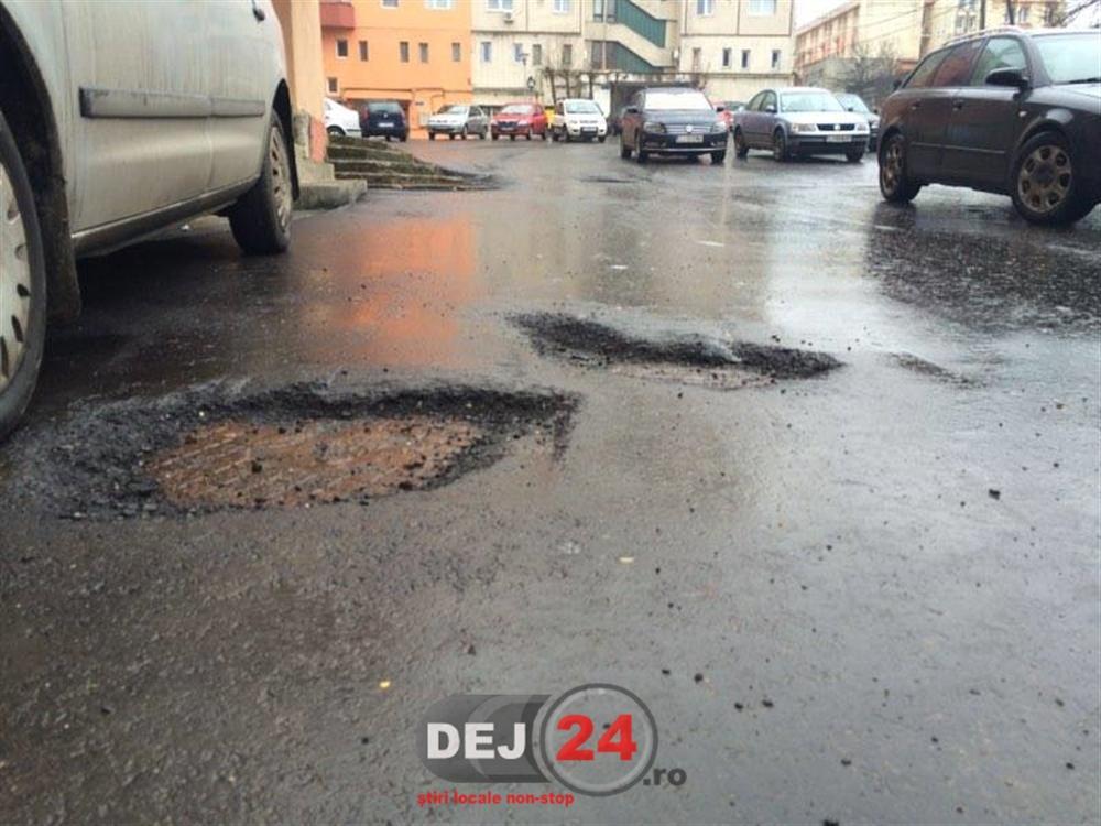 Cratere gropi asfalt str. Crangului Dej (1)