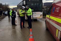 ACCIDENT la Beclean. O femeie a fost lovită în plin de un autobuz – FOTO