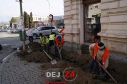 Dej – Lucrările intense la reţeaua electrică subterană, în zona centrală – FOTO/VIDEO