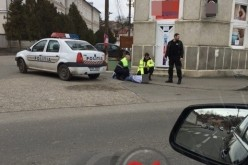 Bărbat ÎNCĂTUȘAT de polițiști, pe o stradă din Dej. A făcut SCANDAL – FOTO