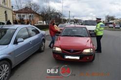 POLIȚIȘTII dejeni au oferit mărțișoare doamnelor și domnișoarelor aflate la volan – FOTO