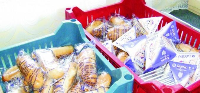 Preșcolarii și elevii vor primi, în noul an școlar, fructe și legume, produse lactate și de panificație
