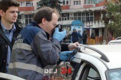 Autoturism FURAT, găsit abandonat în Dej! Trei minori și-au testat abilitățile de șoferi