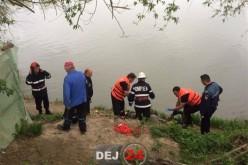 DESCOPERIRE MACABRĂ. Bărbat găsit DECEDAT în apele râului Someș, în Cuzdrioara – FOTO/VIDEO