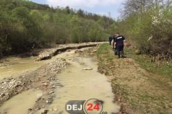 Marius Mînzat, președintele Consiliului Județean Cluj, prezent ieri la Dej pentru a evalua pagubele produse de inundații – FOTO
