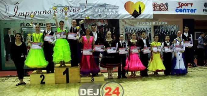 """Clubul de dans sportiv """"Latino Angels"""" Dej s-a întors de la Bistrița cu opt medalii – FOTO"""