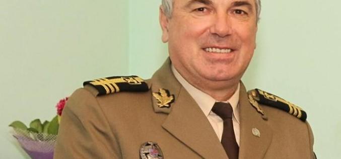 Ceremonie militară în Garnizoana Dej. Col. ing. Mihai CARP pune arma-n cui