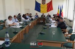 Ultima ședință a Consiliului Local Dej în actuala configurație. Au ciocnit șampanie la final – VIDEO