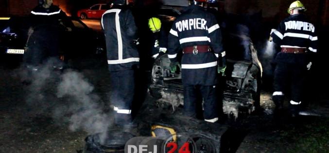 Mână criminală la Gherla? O mașină a ars ca o torță – FOTO/VIDEO