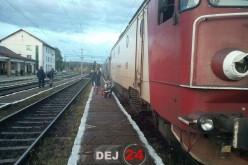 Locomotivă DERAIATĂ la Beclean! Circulația feroviară între Cluj și Bistrița Năsăud, întreruptă