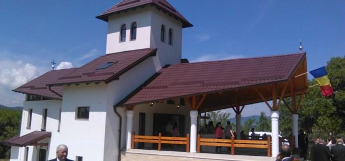 A fost inaugurată capela din Urișor. Mai multe persoane au fost recompensate