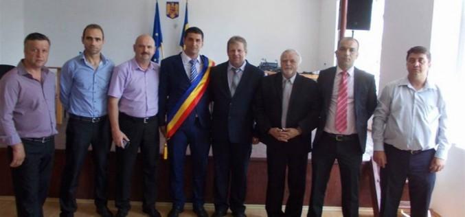 Tiberiu Zelencz, oficial PRIMARUL comunei Mica. Ieri a depus jurământul – FOTO