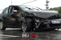 Accident la ieșire din Gherla. Două mașini s-au făcut PRAF – FOTO/VIDEO