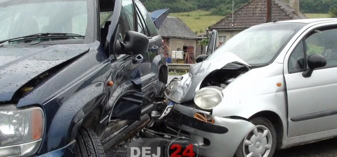 Accident la ieșire din Dej. Două autovehicule au intrat în coliziune – FOTO/VIDEO