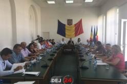Consilierii locali din Dej se întrunesc într-o ședință ordinară pe luna august. Ce se va discuta