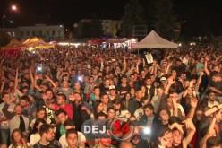 S-a tras cortina peste Zilele Municipiului Dej! Mii de dejeni au fost prezenți în Piața Bobâlna – VIDEO