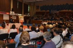 Conferința celebrului preot Constantin Necula a umplut Sala Sporturilor din Dej – FOTO/VIDEO