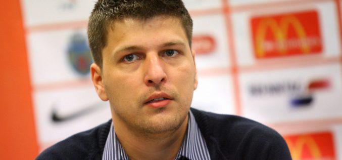 """Un deputat de Cluj vrea să modifice Legea educaţiei: """"Funcțiile de directori din învățământ nu trebuie să mai stea în pixul Ministrului Educației"""""""