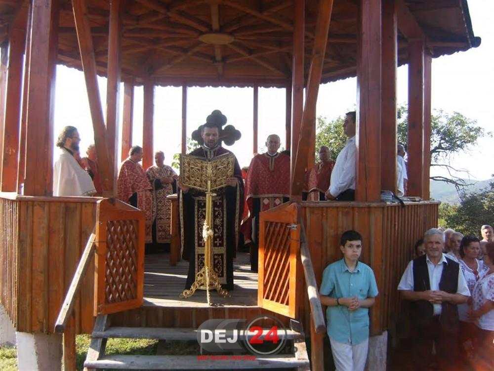 taina-sfantului-maslu-dealul-bacaului-dej-slujba-religioasa-2