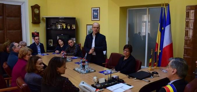 Delegație din orașul francez Le Quesnoy, vizită la Primăria Dej – FOTO
