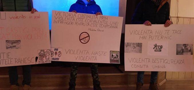 """Ziua Internațională pentru NON-VIOLENȚĂ ÎN ȘCOALĂ, marcată la Liceul Tehnologic """"Constantin Brâncuși"""" din Dej – FOTO"""