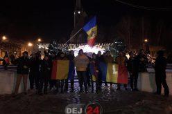 DEJUL S-A TREZIT! Protest spontan în miez de noapte vizavi de legea grațierii – VIDEO