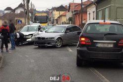 ACCIDENT în Dej! Două mașini au fost serios avariate – FOTO