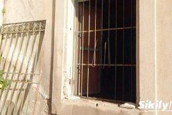 Descindere a mascaților în Mănășturel! Un suspect a fost reținut de polițiști – FOTO
