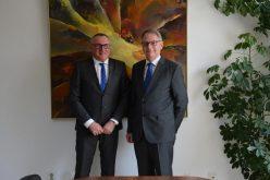 Ambasadorul Regatului Danemarcei, în vizită la Consiliul Judeţean Cluj – FOTO