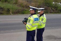 """Polițiștii clujeni, razie pe drumurile din județ! Au declarat """"război"""" celor care calcă prea tare pedala de accelerație – VIDEO"""