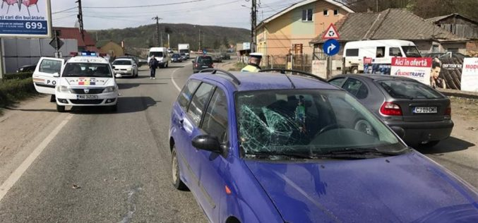 ACCIDENT în Dej! O femeie a fost izbită în plin de un autoturism – FOTO/VIDEO