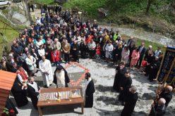 ÎPS Andrei, prezent în mijlocul credincioșilor din Cetan – FOTO
