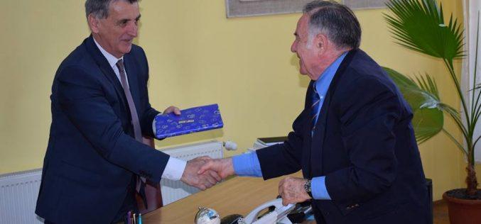 Profesorul dejean Nachum Finger, vizită la Primăria Dej! Acestuia urmează să-i fie acordat titlul de Doctor Honoris Causa al UT Cluj – FOTO