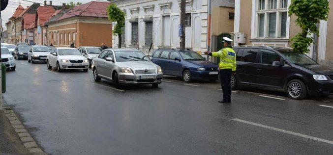 Acțiune preventivă a polițiștilor în Dej și în comunele din apropiere. Permise de conducere reținute și amenzi de peste 8000 de lei