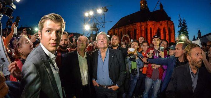 Alain Delon a fost prezent ieri la Cluj. S-a declarat încântat de orașul din inima Transilvaniei
