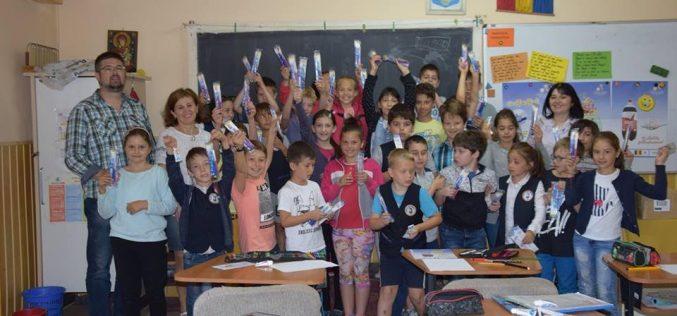 """Rotary Club Dej a finalizat a doua etapă de proiect din programul """"Dinţi frumoşi, copii  sănătoşi"""" – FOTO"""