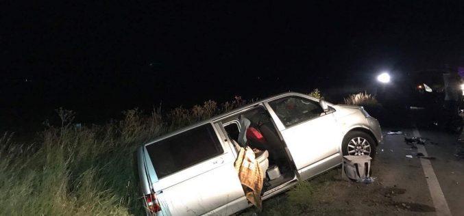 ACCIDENT în Coplean. Impact VIOLENT între un microbuz și un autoturism, patru RĂNIȚI – FOTO/VIDEO