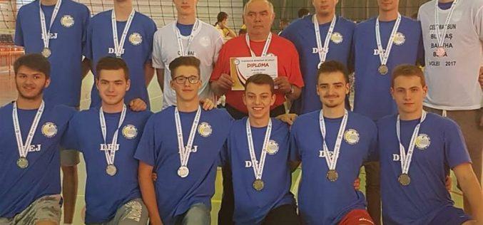 VOLEI – LAPI Dej, VICECAMPIOANĂ națională la Juniori I – FOTO