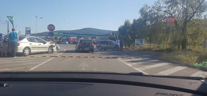 DEJ | Încă un accident în zona benzinăriei OMV! Eforturile autorităților de a stopa evenimentele neplăcute, în zadar – FOTO