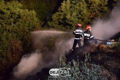 INCENDIU în Ocna Dej, la o groapă de gunoi! Flăcările amenințau să se extindă la vegetație – FOTO/VIDEO