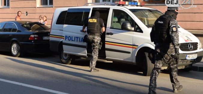 Intervenție în forță a MASCAȚILOR la Dej! SCANDAL între mai multe persoane – FOTO/VIDEO