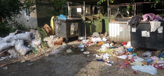 PETIȚIE – Locuitorii din Dej NU MAI SUPORTĂ mizeria din oraș. 28 de probleme transmise primarului