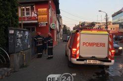 Incendiu la un magazin de pe Dealul Florilor din Dej – FOTO/VIDEO